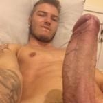 Juicy Guy Showing Hot Sexy Stuff