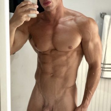 Guy nude Fit Dudes